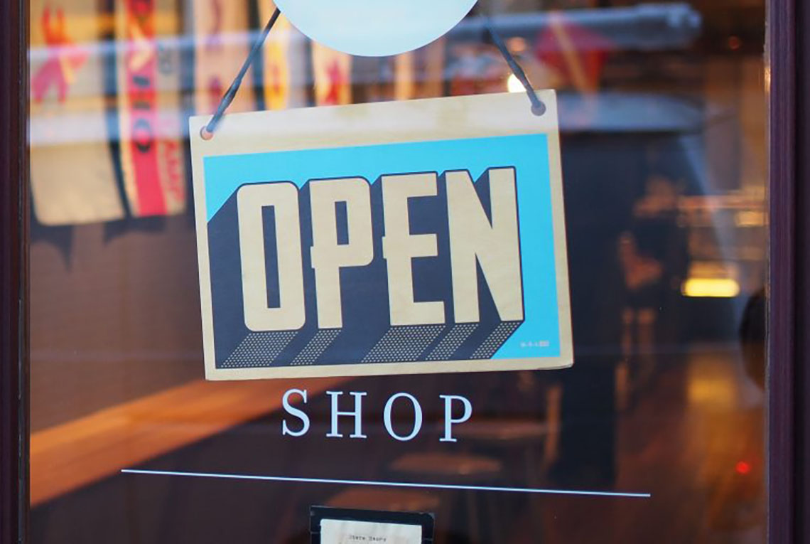 Retail Applications: Creating and Engaging User Experience